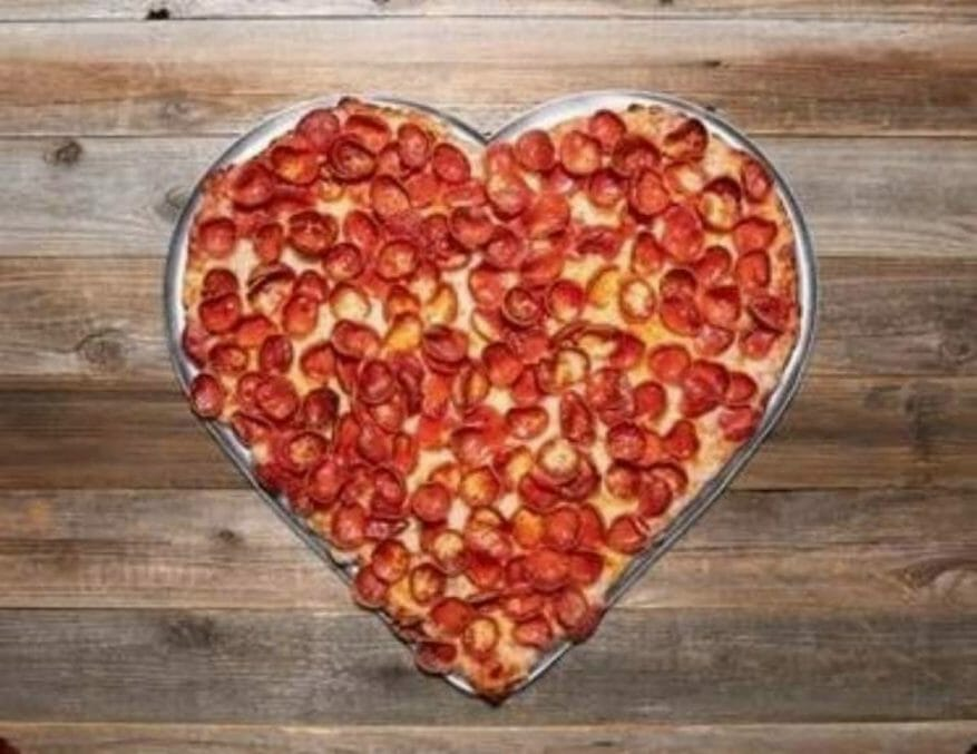 Mouintain Mike's Heart Pizza